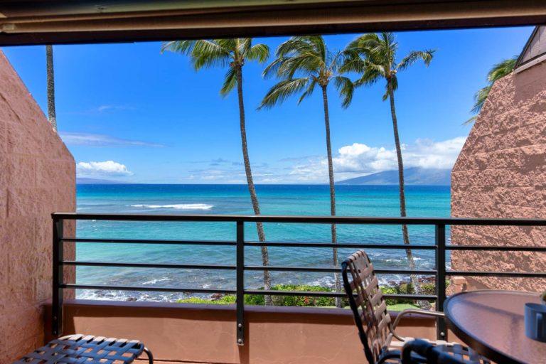 Photo of Balcony facing the ocean. Unit 619